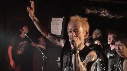 PHOTO-20110211-ESCAPE-TV-CH1-AI-02